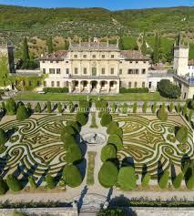 Visita Villa Arvedi